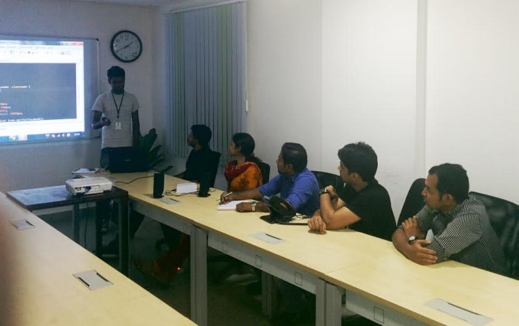Front-end coding seminar at RapidValue