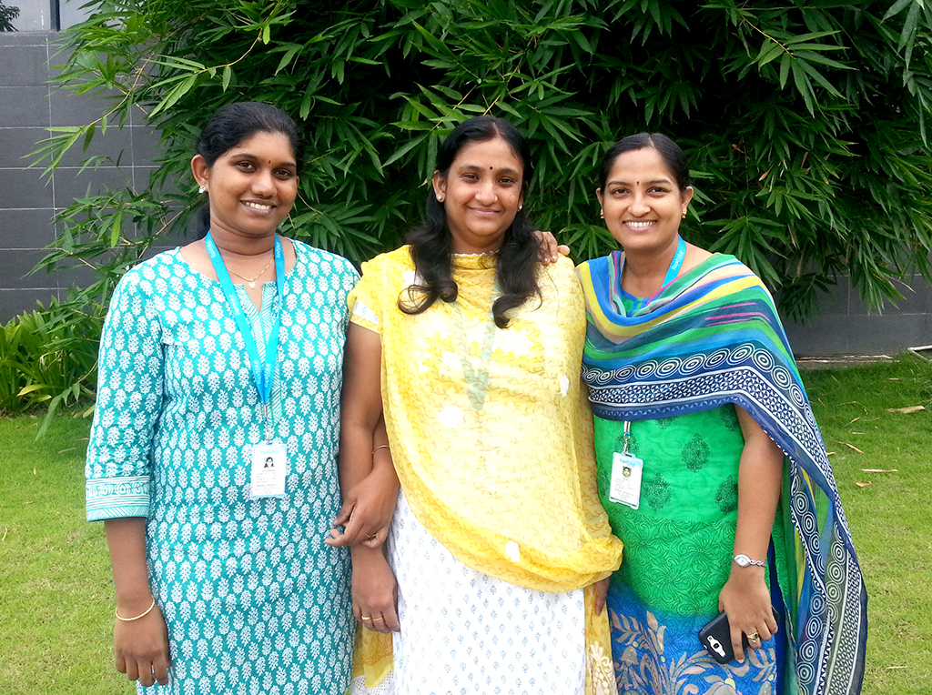RapidValue women employees